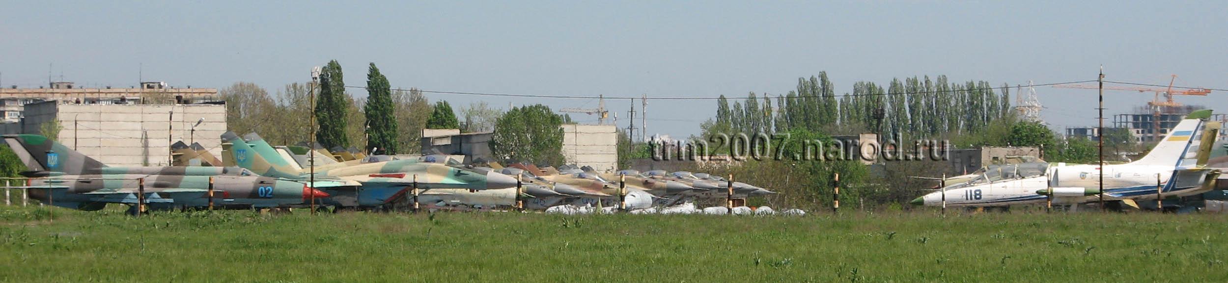 Л-39, МИГ-21, МИГ-25, МИГ-29, СУ-27 на Одесском Школьном аэродроме