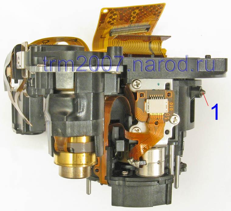 Внутренняя часть объектива Canon PowerShot S2 IS. Вид сбоку.